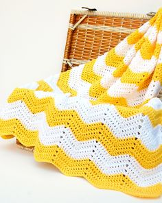 Ravelry: HardDaysKnit's Yellow and White Chevron Blanket