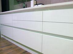 Las golas con una buena distribución pueden hacerse de una pieza #cocinas #muebles
