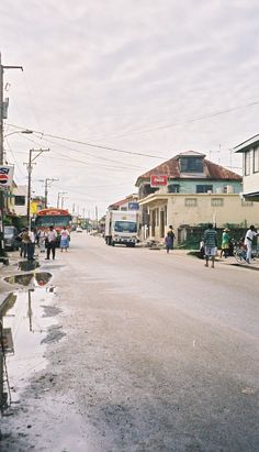 Straße in Dangriga ◆Belize – Wikipedia https://de.wikipedia.org/wiki/Belize #Belize