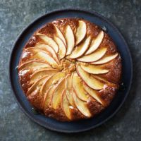Make the most of seasonal produce with our apple, ginger and honey cake. Tip: this cake works equally well with pears, try adding 1 tsp mixed spice instead of the ginger. Apple Cake Recipes, Honey Recipes, Sweet Recipes, Baking Recipes, Dessert Recipes, Autumn Recipes Baking, Honey Apple Cake Recipe, Cooking Apple Recipes, Apple Cakes