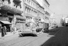 Soviet tanks occupy Bucharest in august The occupation was to last for more than a decade. Old Pictures, Old Photos, Bucharest Romania, Bad Life, Old City, Rare Photos, Interesting Reads, Installation Art, Old Town