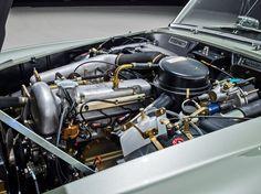 Mercedes Benz 190 SL motorraum 1