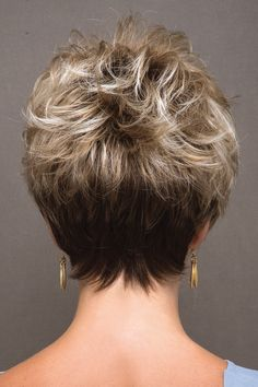 Today we have the most stylish 86 Cute Short Pixie Haircuts. We claim that you have never seen such elegant and eye-catching short hairstyles before. Pixie haircut, of course, offers a lot of options for the hair of the ladies'… Continue Reading → Haircut For Older Women, Short Hair Cuts For Women, Short Hairstyles For Women, Straight Hairstyles, Short Hair Styles, Undercut Hairstyles, Pixie Hairstyles, Easy Hairstyles, Hairstyle Ideas