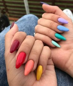 Semi-permanent varnish, false nails, patches: which manicure to choose? - My Nails Aycrlic Nails, Swag Nails, Hair And Nails, Coffin Nails, Nail Manicure, Glitter Nails, Summer Acrylic Nails, Best Acrylic Nails, Summer Nails