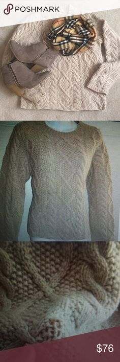 J CREW Chunky SWEATER Small OATMEAL Wool HANDKNIT So Chic!! In pre-owned condition with two very small marks on front. See photo. J. Crew Sweaters Crew & Scoop Necks