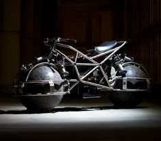 Amazing Electric Motorcycle Powered by Omnidirectional Sphere Wheels
