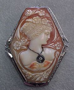 14kt. White Gold Cameo of Young Girl with a necklace