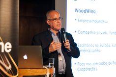 Antonio Lapa, Diretor da EPYX Soluções Editoriais, apresenta a WoodWing na abertura da WoodWing Next Wave Tour 2012 - São Paulo. Foto: Patrícia Bruni.
