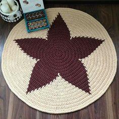 Diy Crochet Rug, Crochet Rug Patterns, Crochet Mandala, Crochet Home, Filet Crochet, Crochet Doilies, Crochet Flowers, Crochet Kitchen, Crochet World