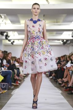 Oscar de La Renta Ready To Wear Spring Summer 2015