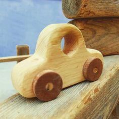 Cotxes d fusta artesans fets a mà. 15€ unitat