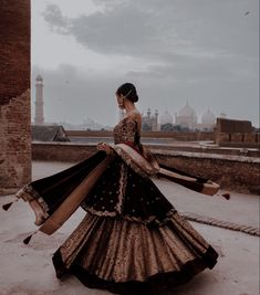 Asian Bridal Dresses, Indian Bridal Outfits, Pakistani Bridal Dresses, Indian Fashion Dresses, Pakistani Outfits, Indian Aesthetic, Indian Photoshoot, Indian Look, Desi Wedding