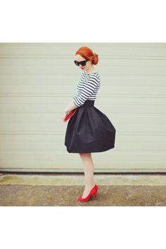 Black-asos-skirt-red-primark-heels-white-zara-top_400