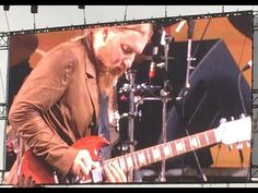 Tedeschi Trucks Band Welcomes Jimmie Vaughan, Billy Gibbons At Jazz Fest [Watch]…
