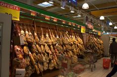 If you are new to the area, then you probably face many decisions, including where to buy your food. Check out local farmers market Dallas locations that. Farmers Market Display, Market Displays, Spain, Goodies, Ham Radio, Marketing, Food, Tips, Image