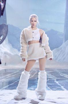K Pop, Blackpink Fashion, Korean Fashion, Street Fashion, South Korean Girls, Korean Girl Groups, Foto Rose, Jenny Kim, K Wallpaper