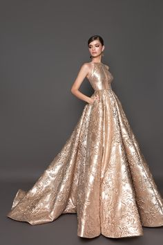 Embrace your inner glamour girl and evoke the prestige and beauty of a starlet on the red carpet. These evening gowns are fit for the most formal parties with shining elements and show-stopping silhouettes that will announce to the party you've arrived! Queen Dress, Dress Up, Maya Diab, Pronovias, Evening Dresses, Prom Dresses, Glamorous Evening Gowns, Royal Dresses, Mode Hijab