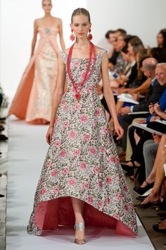 Oscar de la Renta at New York Fashion Week Spring 2014 - StyleBistro