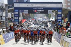 The elite women's race gets underway at the World Championships Photo credit © Bettini Photo