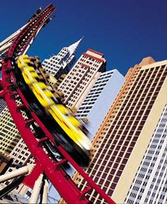 Las Vegas Free Sights, Attractions and Must Do's. @Brianna Mendoza Stewart frickle can't wait for our family vacation!!