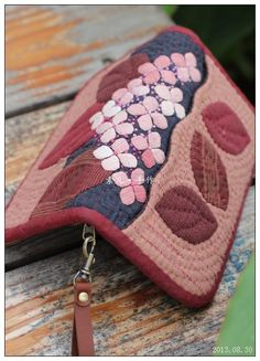 Japanese Patchwork, Japanese Bag, Japanese Quilts, Patchwork Bags, Quilted Bag, Patch Quilt, Applique Quilts, Hawaiian Quilts, Fabric Wallet