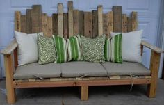 sofa/bench from wood shipping pallets