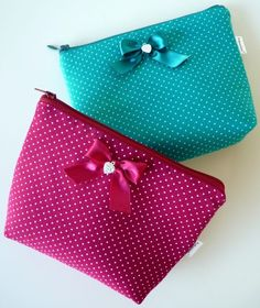 . Petite Purses, Small Case, Purse Tutorial, Pouch, Wallet, Handmade Bags, Purses And Bags, Embellishments, Coin Purse