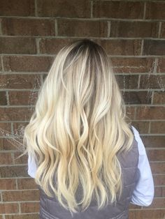 Icy blonde with a shadow root | Beautiful Hair | Pinterest | Icy ...