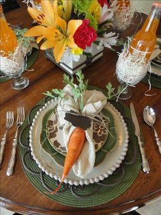 {This understated table is brought to life with a delightful and unexpected accent. From MyStyleShare.com]