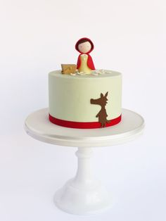 simple, but elegant cake decorating; little red riding hood