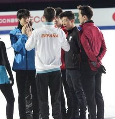 Grand Prix Final in Barcelona Javier Fernandez, Ice Skaters, Hanyu Yuzuru, Figure Skating, Grand Prix, Adidas Jacket, Coaching, Boys, Sports