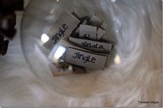 Christmas In A Word DIY Ornament By Turnstyle Vogue (5)