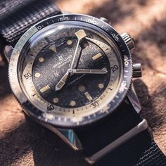 A rare piece of watch history just arrived at C&C. This vintage Breitling SuperOcean ref. 2005 is a dive watch with a yachting bezel, and full of character.