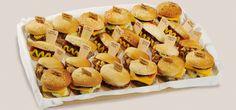 Nuevo Mix de Mini Burger & Mini Hot Dog, la revolución del catering Snack, Hot Dogs, Catering, Mini, Ethnic Recipes, Food, Dishes, Catering Business, Gastronomia