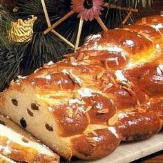 """A sweet bread/pastry that symbolizes 'the rising of your happiness"""". Find this and other Christmas recipes and gift ideas at: http://www.allaboutcuisines.com/christmas #Czech recipes #Christmas recipes # Christmas gifts"""