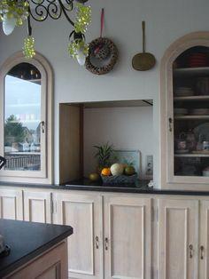 Kitchen custommade by Antiek & Interieur Den Ouden Overzet