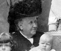 Crown Princess Isabel of Brasil Vintage Pictures, Funny Pictures, Cartoon Network, Ferrat, History Photos, Photo Reference, Photography Tips, Pedro Ii, Empire