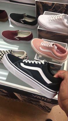94 Ideas For Vans Sneakers Shoes Summer Cute Vans, Cute Shoes, Me Too Shoes, Tenis Vans, Vans Sneakers, Vans Shoes Outfit, Black Vans, Vans Black Old Skool, Black Casual Shoes