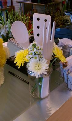 Kitchen table centerpiece simple bridal shower 55 Ideas – Famous Last Words Bridal Shower Prizes, Bridal Shower Tables, Bridal Shower Centerpieces, Bridal Shower Gifts, Shower Favors, Backyard Bridal Showers, Summer Bridal Showers, Kitchen Bridal Showers, Simple Bridal Shower