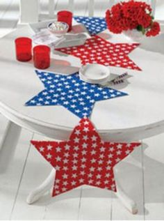 This red, white, and blue stars table runner is adorable!
