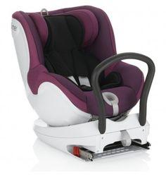 Römer Dual-fix es una silla de auto del grupo 0+/1 que rota 360º para orientarla a contramarcha, de cara al frente o hacia las puertas del coche para facilitar la colocación y retirada del bebé. Para usar esta sillita desde el nacimiento se recomienda equiparla con un reductor para recién nacidos suplementario, de modo que el arnés sostenga correctamente el cuerpo del bebé.