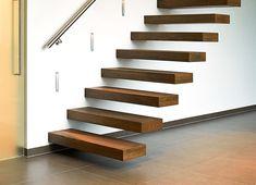 De zwevende trap is een architecturaal hoogstandje dat perfect matcht met uw interieur. Deze moderne trap zorgt voor een unieke toets in uw woning.