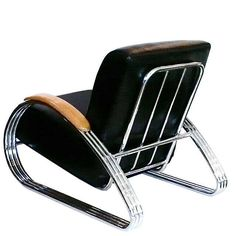 Often a chair looks great from the front & side but from the rear, the designer loses the plot. Not so in this case!