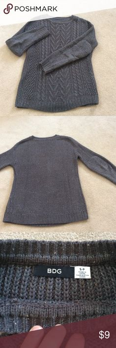 Gray Sweater Beautiful gray sweater! Great for the winter months and in good condition! Bundle for a discount! BDG Sweaters Crew & Scoop Necks