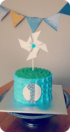 Pinwheel buttercream Smash Cake -- pinwheel made of sugar - Smash cake with gumpaste pinwheel and buttercream