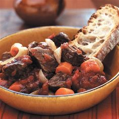 Easy Slow Cooker Tuscan Beef Stew: This easy-to-prepare stew adds all ingredients to the slow cooker at one time, eliminating the step of browning the beef. Crock Pot Slow Cooker, Crock Pot Cooking, Slow Cooker Recipes, Crockpot Recipes, Cooking Recipes, Healthy Recipes, Crock Pots, Freezer Recipes, Lamb Recipes
