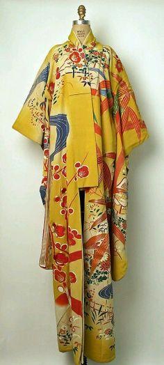 Japanese Kimono at The Metropolitan Museum of Art Japanese Textiles, Japanese Fabric, Japanese Kimono, Japanese Fashion, Japanese Embroidery, Vintage Outfits, Vintage Fashion, Metropolitan Museum, Furisode Kimono