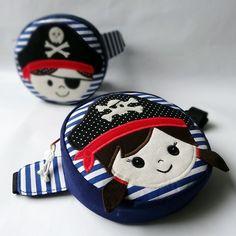 Ledvinka pirátova žena Coin Purse, Wallet, Purses, Anna, Fashion, Handbags, Moda, Fashion Styles, Coin Purses