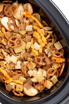 Slow Cooker Chex Mix - Make it even easier to inhale this snack by prepping a batch big enough to actually stick around for awhile. Slow Cooking, Slow Cooked Meals, Slow Cooker Recipes, Crockpot Recipes, Cooking Recipes, Cooking Game, Vegan Recipes, Homemade Chex Mix, Snack Mix Recipes