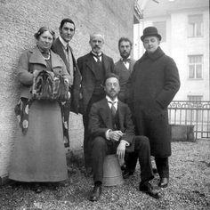 Der Blaue Reiter (il cavaliere azzurro) ; da sinistra a destra: Maria e Franz Marc, Bernhard Koehler, Wassily Kandinsky (seduto), Heinrich Campendonke, Thomas von Hartmann